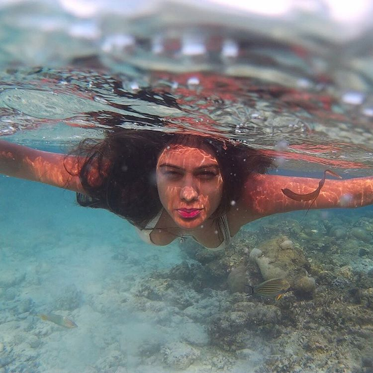 Nia Sharma under water